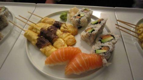 Yakitori et sushi