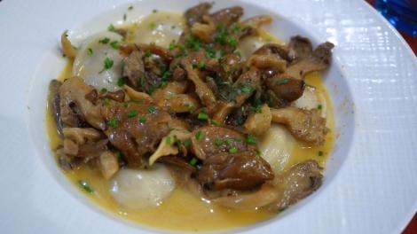 Ravioles au foie gras et pleurottes